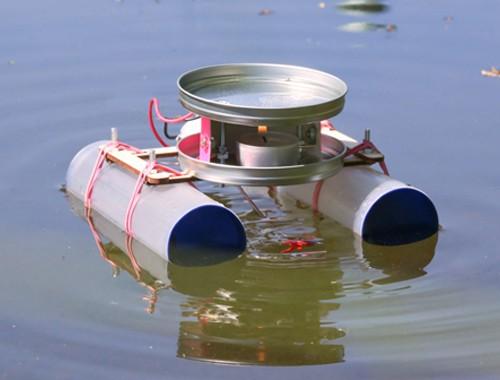 Kerzenboot mit thermoelektrischem Antrieb